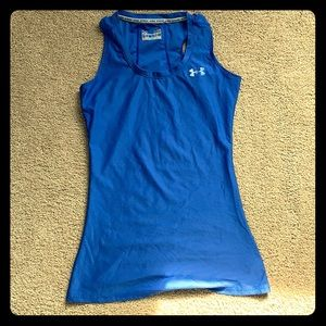 UNDER ARMOUR XS FITTED heat gear workout tank